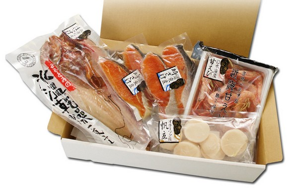 北海道の海鮮が贅沢に詰まったギフトBOXをお歳暮にいかが?